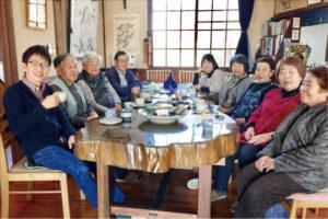 地域の方々との盛んな交流も協力隊ならでは 佐久市望月・多津衛民芸館にて(2016 年11 月)