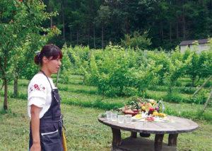 農園の中で開かれるイベントは、絶景のロケーションが料理をさらに引き立たせる。